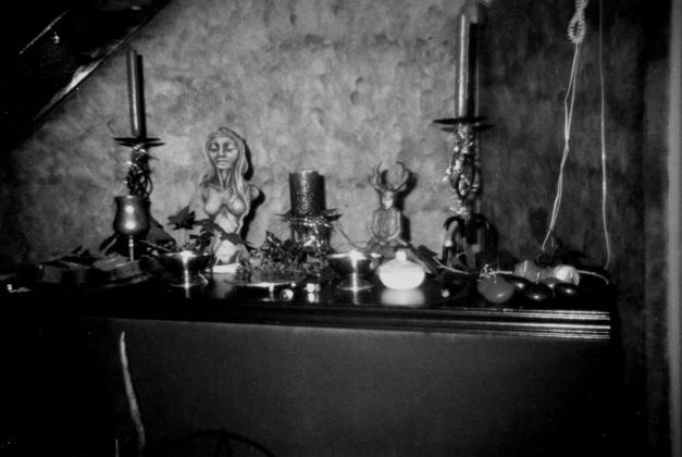 2nd-altar-yule